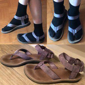 Teva thong sandals sz 7 pale purple leather